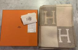 HERMES AVALON III CASHMERE WOOL THROW BLANKET in Coca and Ca