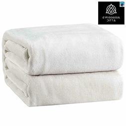 Bedsure Fleece Blanket Twin Size White Lightweight Throw Bla