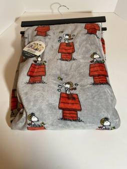 Berkshire Fleece Throw Blanket Peanuts Snoopy Woodstock Gray