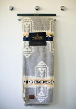 "Pendleton Home Collection Sherpa Aztec 50"" x 70"" Southwest T"