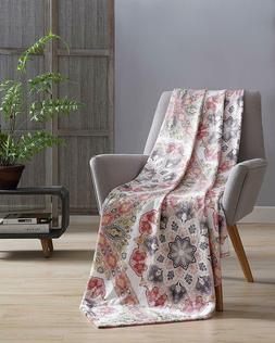 Hudson & Essex Decorative Throw Blanket: Soft Plush Paisley