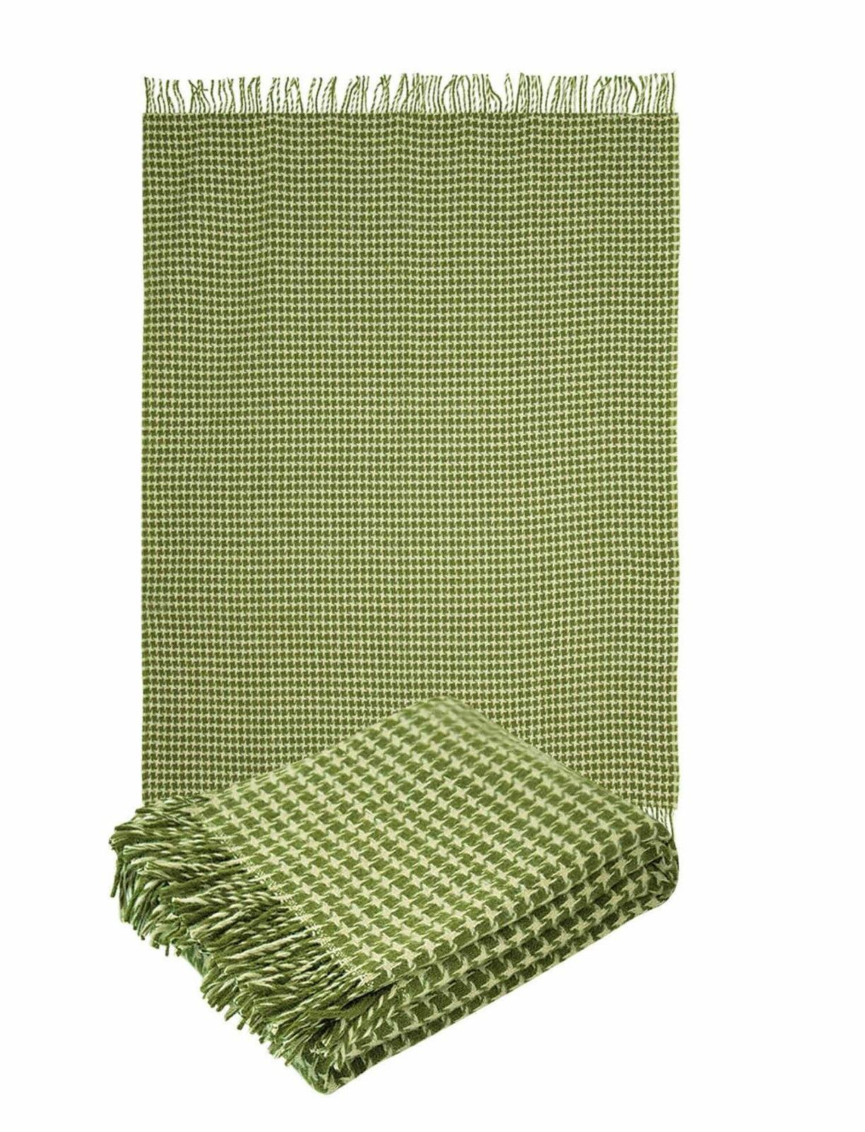 """100% Pure New Wool Throw Blanket with fringe  55x79""""hounds"""