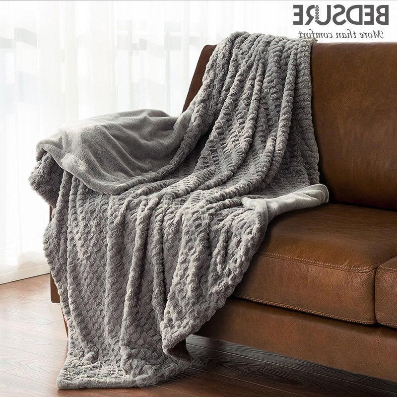 Bedsure Solid Faux Fur Throw Blanket Super Soft & Warm Blank