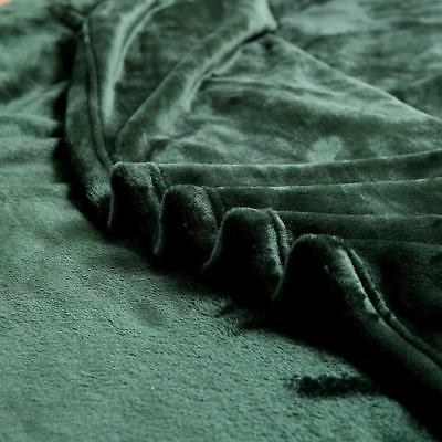 "Exclusivo Mezcla Velvet Plush Throw – 70"" (Forest"