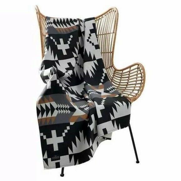 Pendleton Rock Luxe Black Multi Throw Blanket X 70