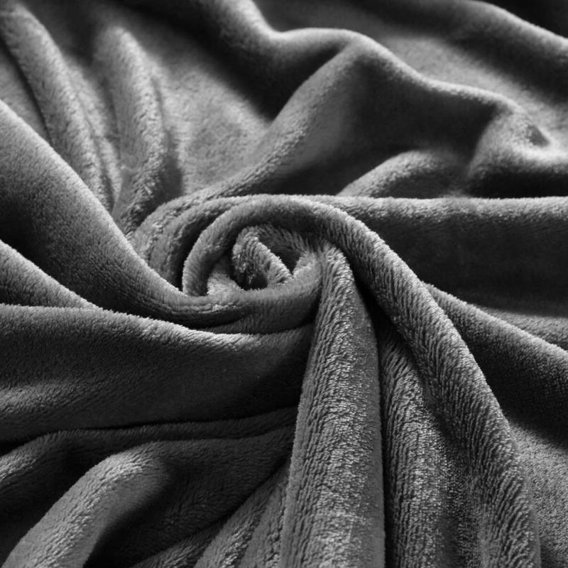 """Exclusivo Large Fleece Plush Blanket – 70"""" ("""