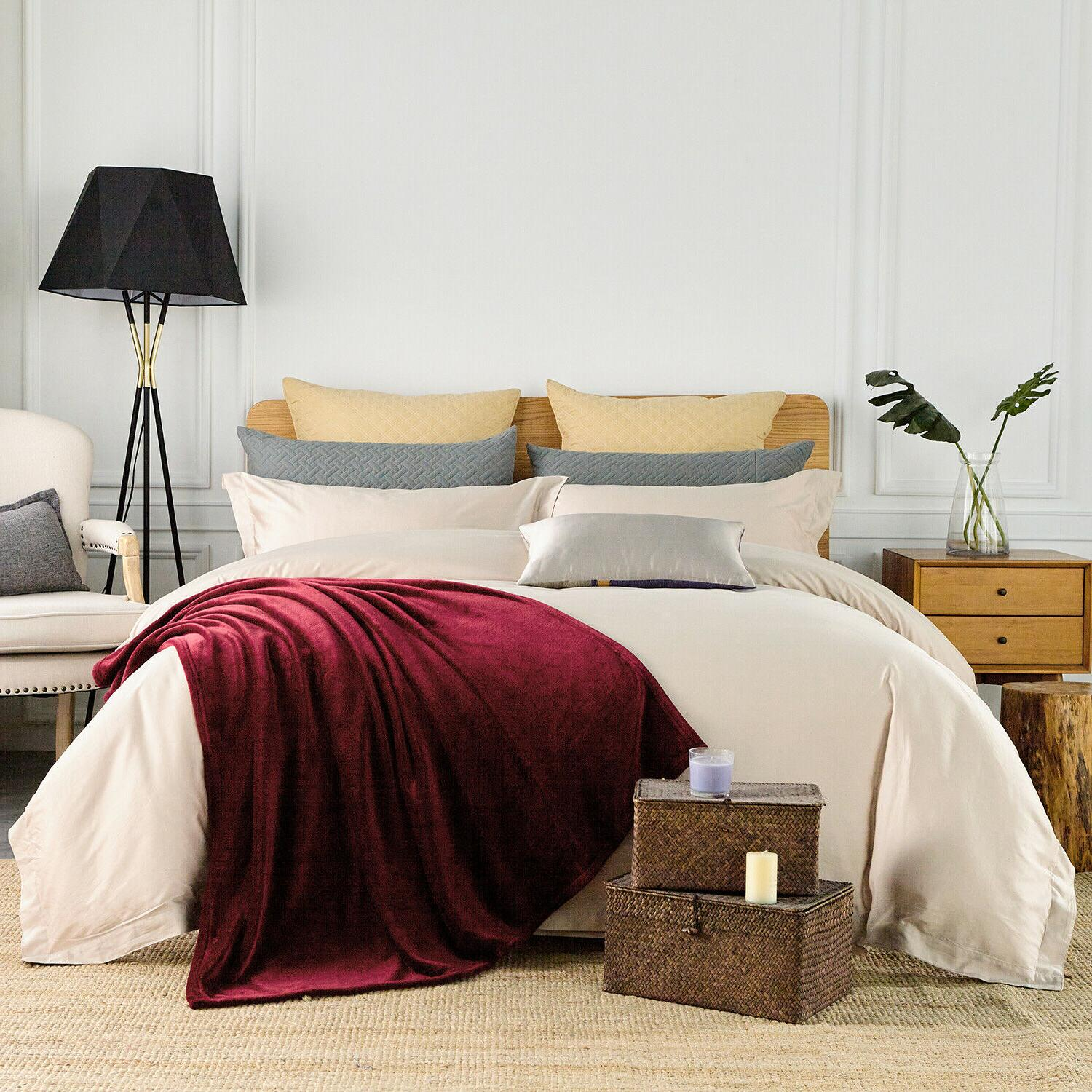 "Luxurious Throw Blanket Light Super Soft 50"" x Burgundy"