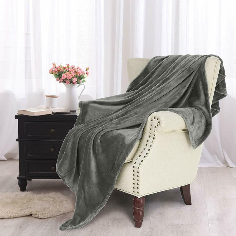 "Exclusivo Mezcla Fleece Velvet Plush Throw Blanket 70"""