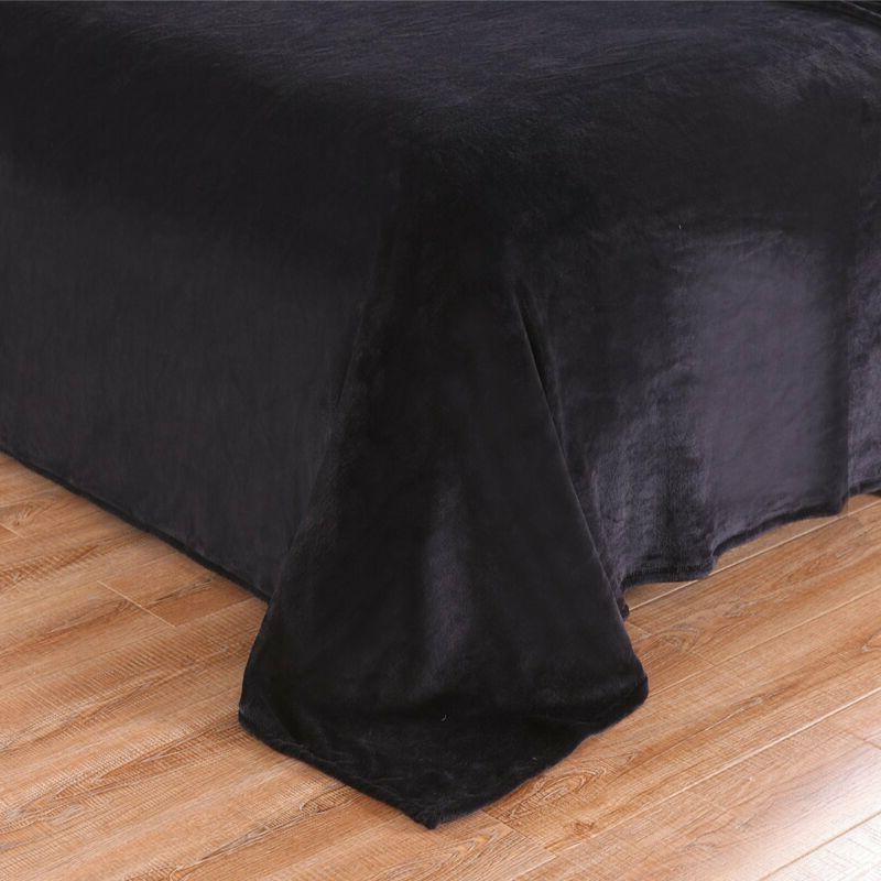 Exclusivo Mezcla Size Velvet Plush Solid Beds