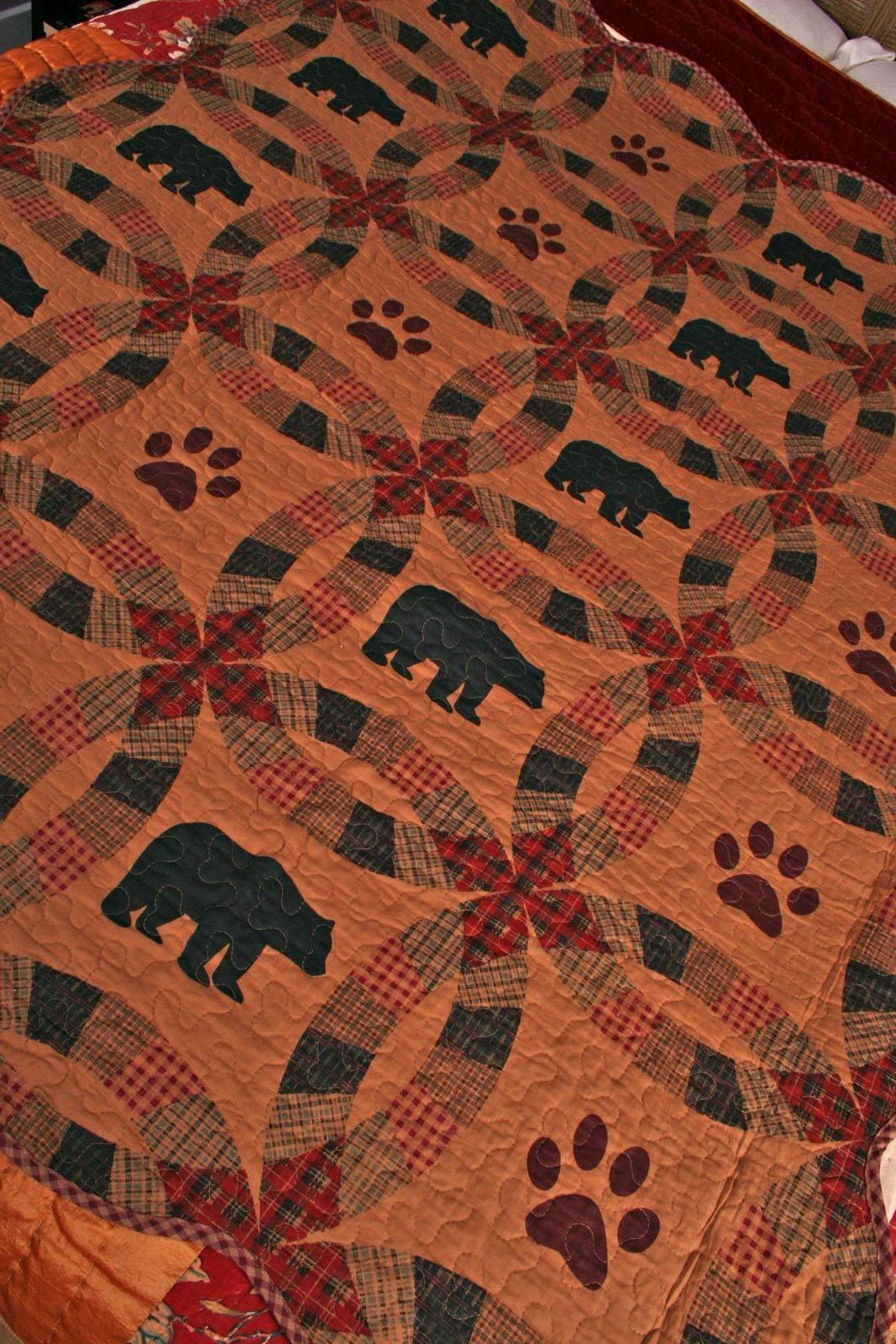 Quilt Ring Black Paw Cabin Lap Bedding