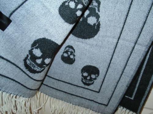 Magaschoni Skull Skulls Black White Fringe Edge