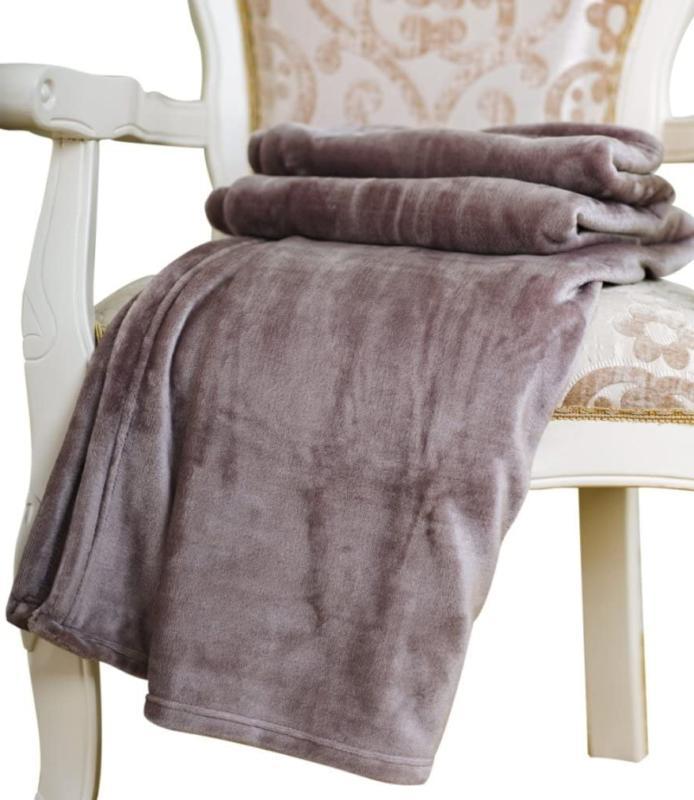 Ultra-Soft Microplush Velvet Blanket - Easy Care - Warm & Co