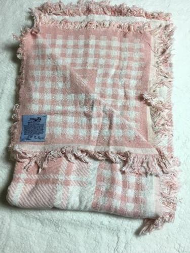 Throw Blanket Pink Checkered Hill USA NIP