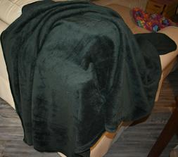 Exclusivo Mezcla Large Flannel Velvet Plush Throw Blanket -