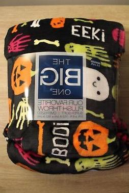 NEW The Big One Plush Halloween Throw Blanket 5 ft x 6 ft Gh