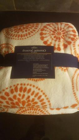 "NEW Berkshire Blanket Serasoft Throw Super Soft 60"" x 70--NE"