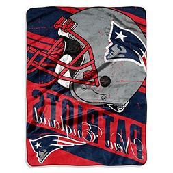 "NFL New England Patriots ""Deep Slant"" Micro Raschel Throw Bl"