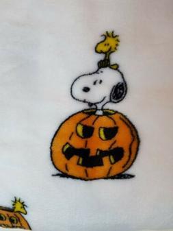 NWT Berkshire Snoopy Woodstock Halloween Pumpkin Blanket Thr