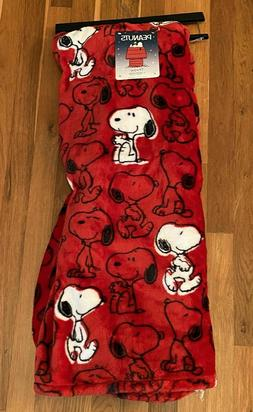 """Peanuts SNOOPY All Over Red 50"""" x 70"""" Berkshire Fleece Throw"""