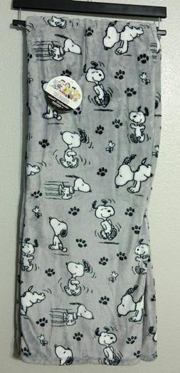 Berkshire Blanket Peanuts Snoopy Paw Prints Throw Blanket 55