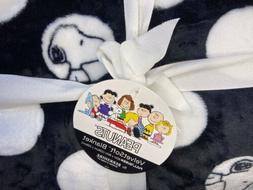 Peanuts Snoopy Polka Dots Plush Blanket Full/Queen Sz Throw,