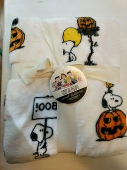Peanuts Berkshire Velvetsoft Throw Blanket Snoopy  Woodstock
