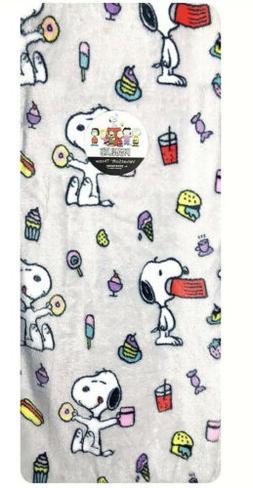 Peanuts Snoopy Food Fleece Throw Blanket Berkshire grey