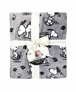 Blankets by Berkshire Home Snoopy Queen Size Velvet Soft Plu