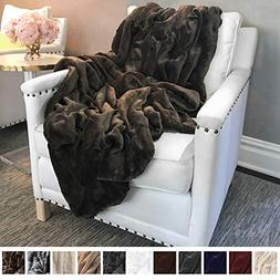 The Connecticut Home Company Ultimate Velvet with Sherpa Thr