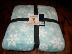 Berkshire Blanket Velvet Soft Holiday Throw - Snowflake Patt