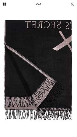 Victoria 's Secret Riversible Blanket Pure Black / Snow whit
